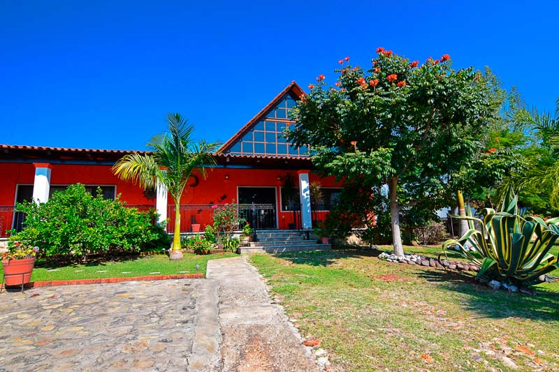 QUINTA TORRES HOUSE